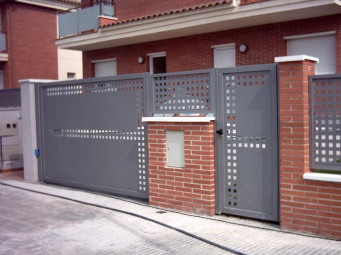 Trabajo de Norestim Puerta Comunidad Vecinos